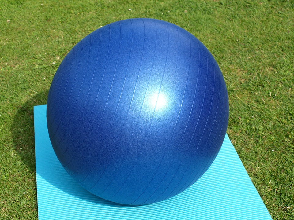 Benefits of an Exercise Ball During Pregnancy