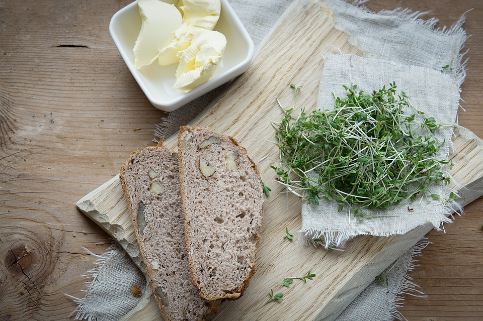 Easy Homemade Bread - All Natural & Good