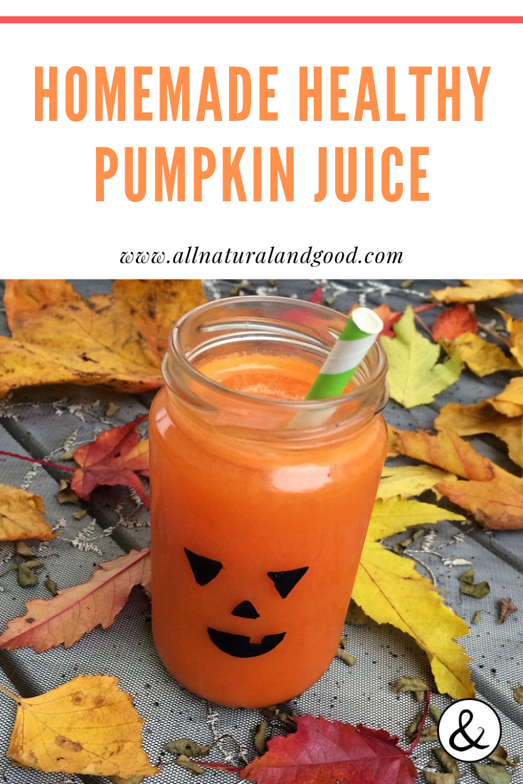 This healthy homemade pumpkin juice recipe is so yummy! It is made with natural ingredients and there is absolutely no added sugar. A great Halloween or holiday drink! #halloween #falldrink #pumpkin